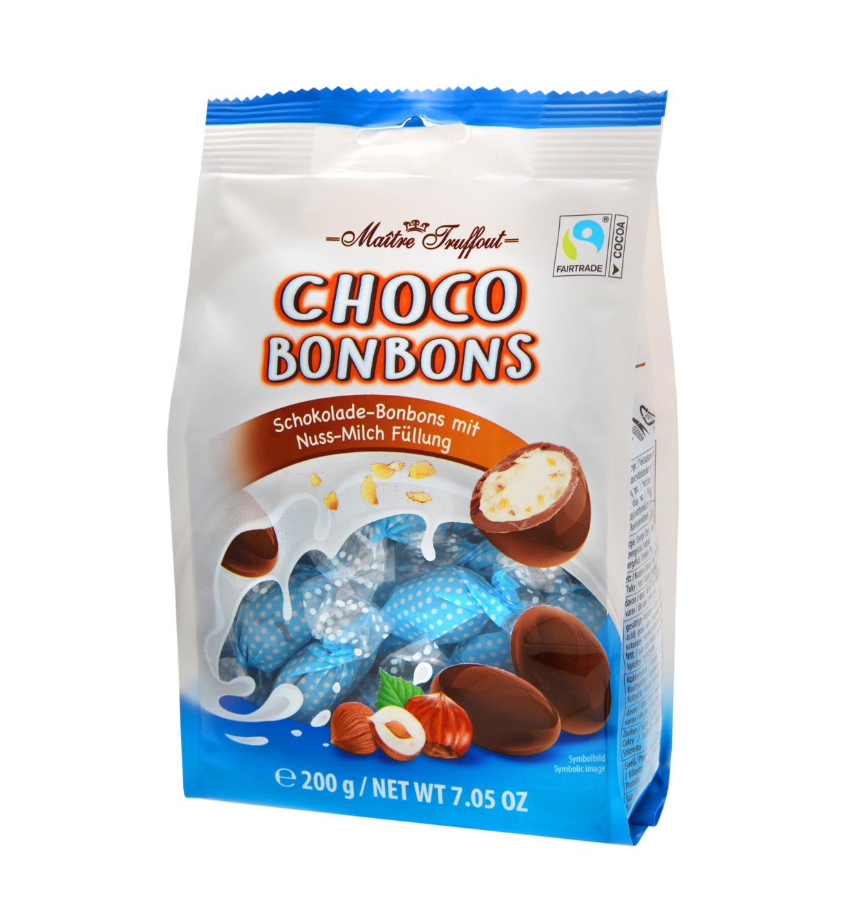 Milch Schokoladepralinen mit Haselnussfüllung